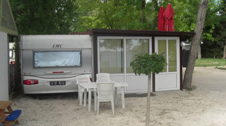 Wohnwagen mieten in Kroatien LMC 720