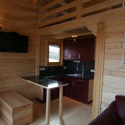 Auch die Inneneinrichtung besteht aus Holz